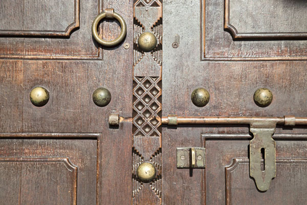 Picture of Sheikh Saeed al-Maktoum House (United Arab Emirates): Door in the house in close-up
