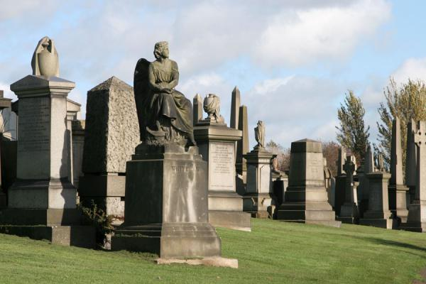 Solemnly decorated tombstones at Glasgow Necropolis | Glasgow Cathedral | United Kingdom