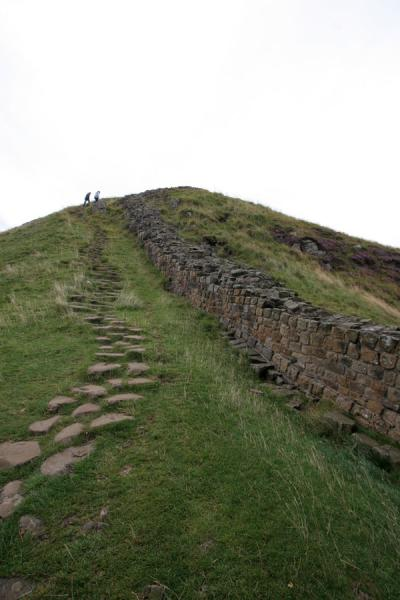 Walking up a hill at Sycamore Gap | Hadrian's Wall | United Kingdom