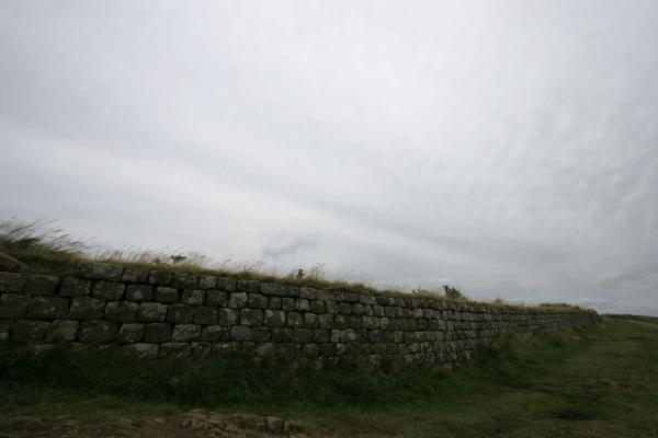 Picture of Hadrian's wall can be very straight