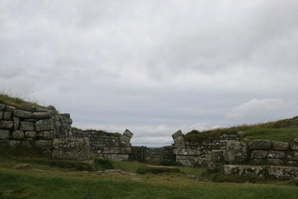 Picture of Hadrian's Wall (United Kingdom): Remains of gate arch of milecastle 37