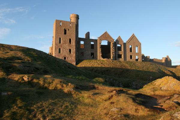 View of Slains Castle from below | Castello di Slains | Regno Unito