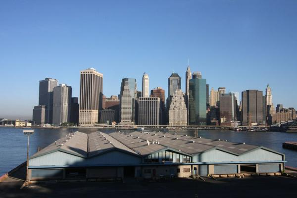 Foto van Early morning view over Lower ManhattanBrooklyn Heights - Verenigde Staten