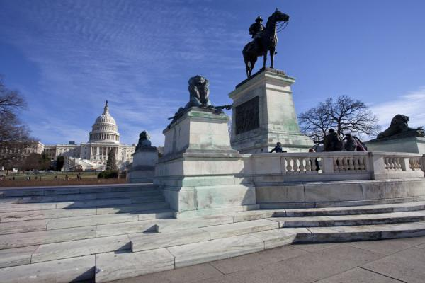 Picture of Capitol Hill (U.S.A.): Looking at the US Capitol with the Grant Memorial in the foreground