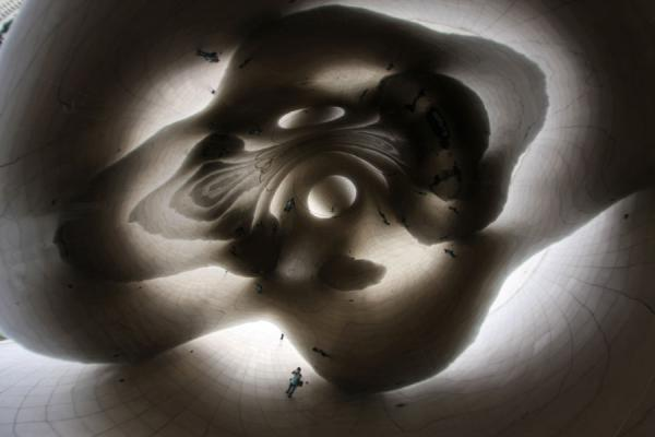 Picture of Chicago Millennium Park (U.S.A.): Looking up at the ceiling of the Bean can make you dizzy