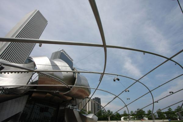 Picture of Chicago Millennium Park (U.S.A.): Open-air ceiling of the Great Lawn with the Jay Pritzker Pavilion