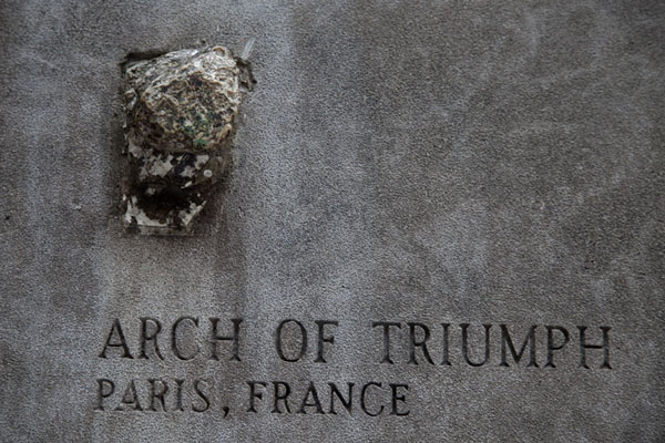 Small piece of the Arc de Triomphe in Paris | Chicago Tribune stones | U.S.A.