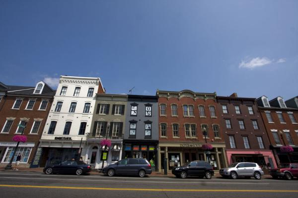 Row of houses and shops on M street in Georgetown | Georgetown | U.S.A.