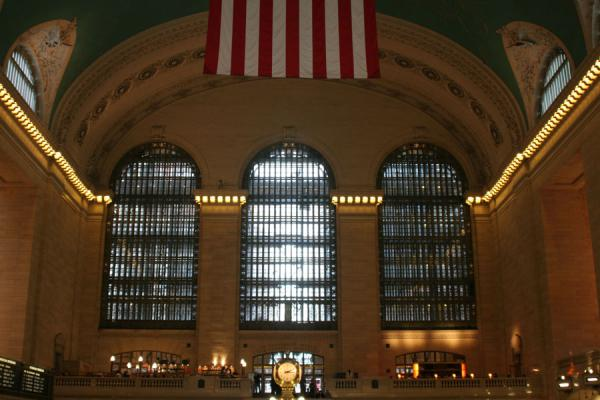 Picture of Grand Central Terminal (U.S.A.): Grand Central Terminal: one side of the central hall