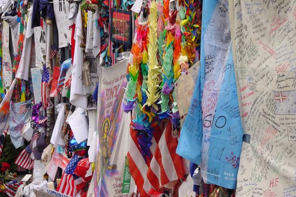 Some of the many decorations for the deceased | Ground Zero WTC New York | U.S.A.