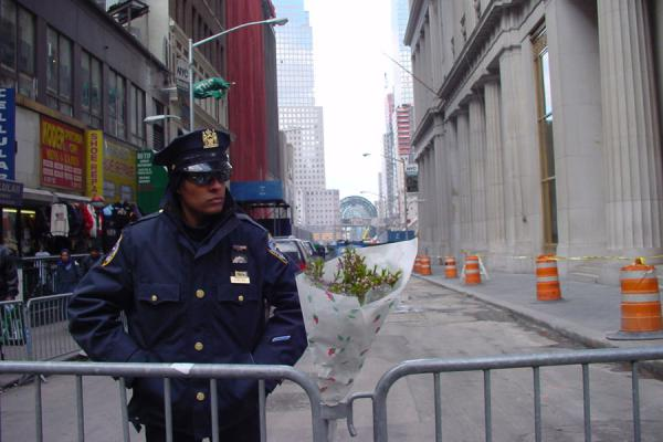 Guarding the entrance to the back | Ground Zero WTC New York | U.S.A.