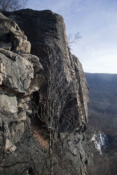 Steep rock formation on the westside of Breakneck Ridge | Hudson Highlands | U.S.A.
