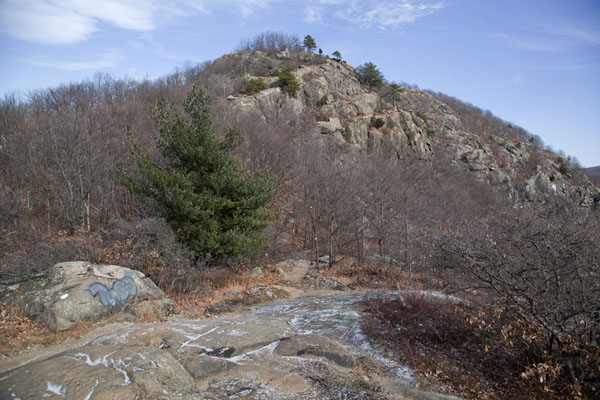 Stony mountain at the westside of the Breakneck Ridge | Hudson Highlands | U.S.A.