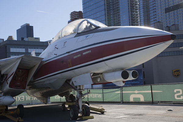 Picture of Intrepid Sea Air Space Museum (U.S.A.): Grumman F-14 Tomcat on the flight deck of the Intrepid