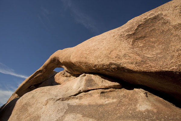 Natural arch near White Tank | Joshua Tree National Park | U.S.A.