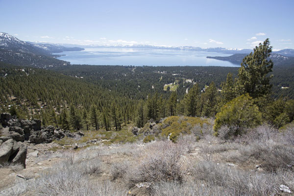 Foto van View over Lake Tahoe from viewpoint on Mount Rose highway on the northern sideLake Tahoe - Verenigde Staten