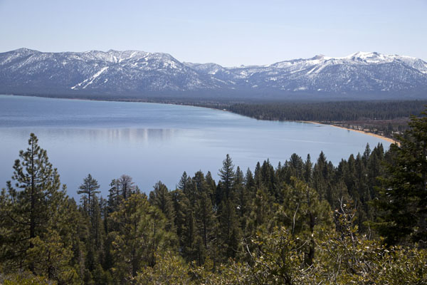 Foto van View of the southern side of Lake TahoeLake Tahoe - Verenigde Staten