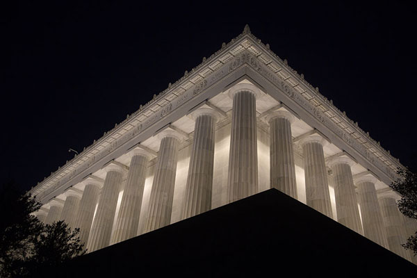 Looking up Lincoln Memorial in the evening | Lincoln Memorial | Stati Uniti