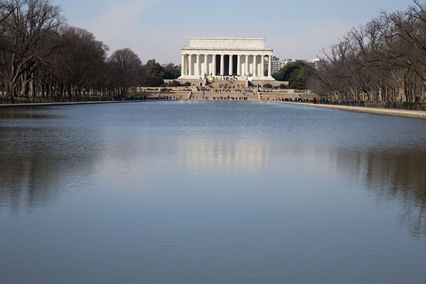 Foto van View of Lincoln Memorial from across the Reflecting PoolWashington DC - Verenigde Staten