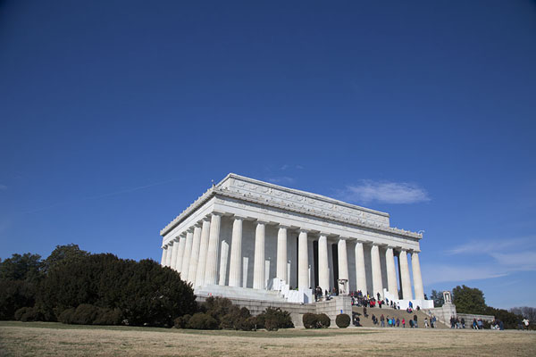 Picture of Lincoln Memorial basking in the winter sun
