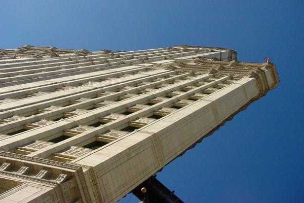 Wrigley building seen from below | Magnificent Mile | U.S.A.