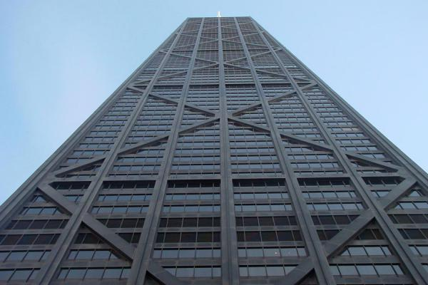 Hancock building seen from below | Magnificent Mile | U.S.A.