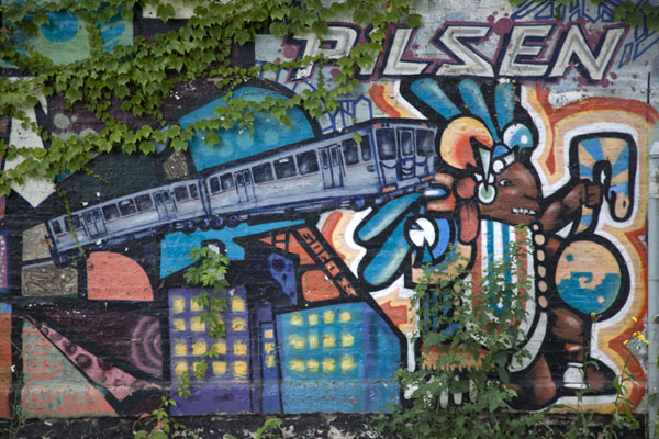 Photo de Detail of a mural near the subway station of 18th St and PaulinaChicago - les Etats-Unis