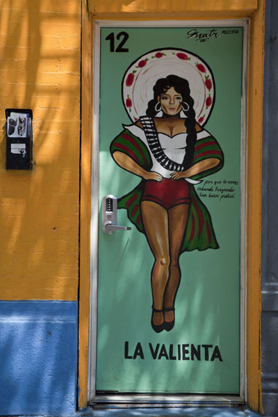 Picture of Pilsen Murals (U.S.A.): Painting on a door in Pilsen