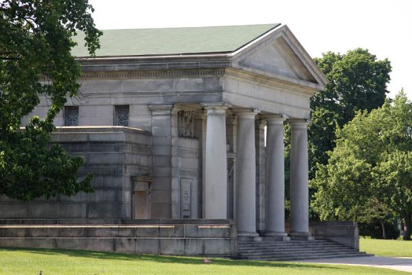 Entrance of Rosehill Mausoleum with classical design with columns | Rosehill Cemetery | U.S.A.