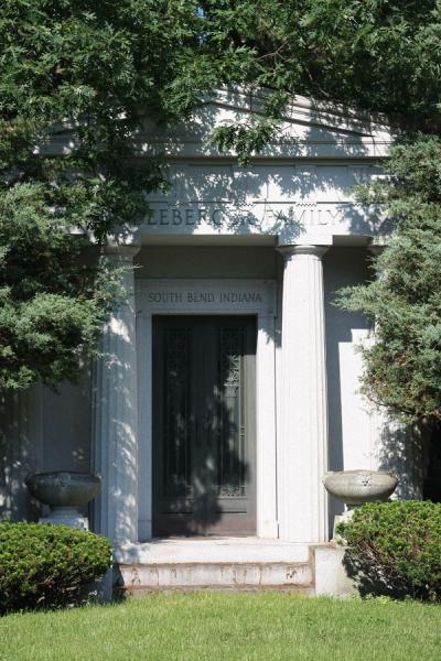 Picture of Rosehill Cemetery (U.S.A.): Entrance of family grave adorned with columns