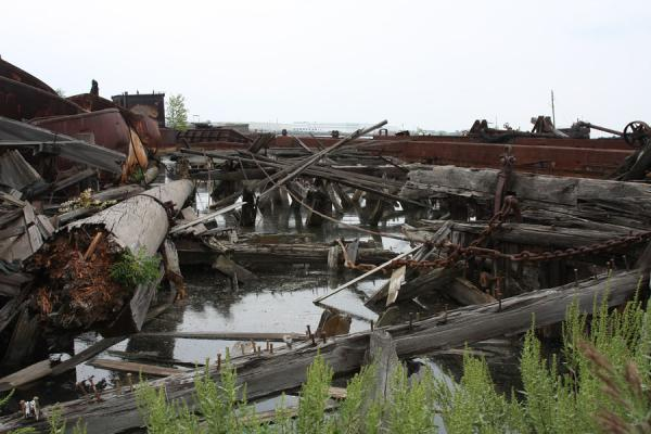 Picture of Boats and parts rusting away at Rossville