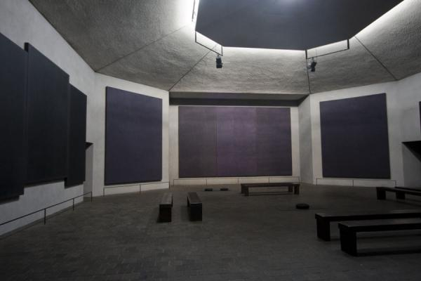 Picture of Interior of Rothko Chapel with the paintings of Rothko on the wall