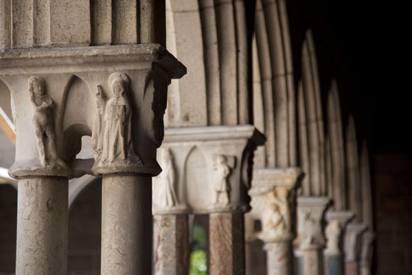 Picture of The Cloisters (United States): Columns and carved capitals of the Cuxa cloister