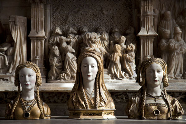 Picture of The Cloisters (United States): Busts of female saints from the 16th century on display in the Boppard Room, gallery 016