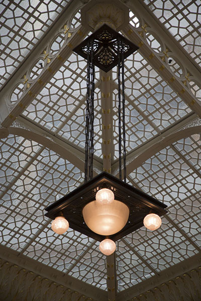 Chandelier hanging from the ceiling | The Rookery | U.S.A.