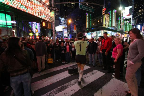 Picture of Times Square (U.S.A.): People watching performer on Times Square