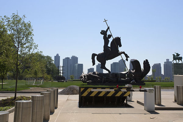 Statue outside the United Nations complex: Good defeats Evil | United Nations Headquarters | U.S.A.