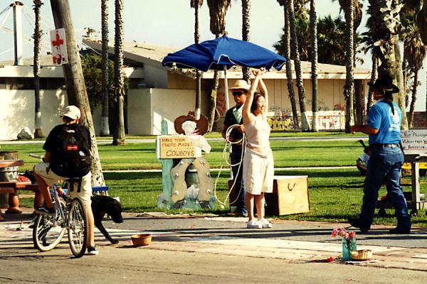 Picture of Performing on the boulevardVenice Beach - U.S.A.