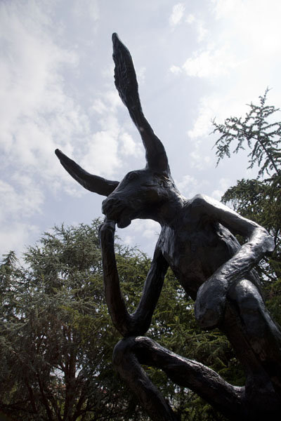 Thinker on a Rock, a cast bronze by Barry Flanagan | Sculpture Garden | U.S.A.