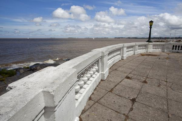 Foto di Old fortifications right on the rocky waterfront of the Rio de la PlataColonia del Sacramento - Uruguay