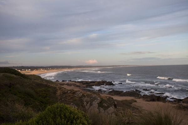 Foto de Dunes and beach: looking north from La PedreraLa Pedrera - Uruguay