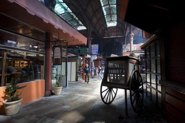 Foto de Uruguay (Interior view of the Mercado del Puerto in Montevideo)