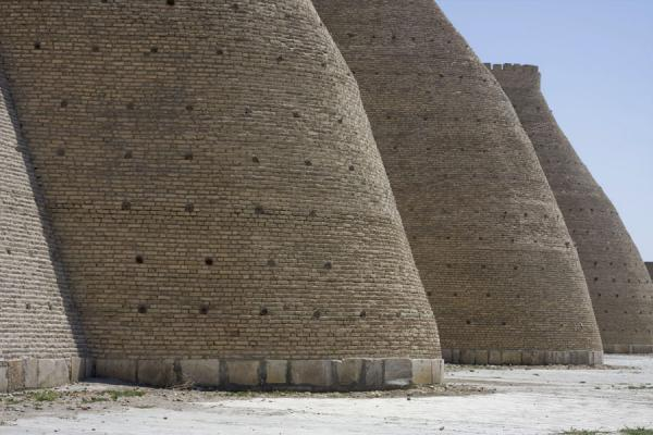 Picture of Bukhara Ark (Uzbekistan): The sturdy defensive wall of the Ark could have withstood any attack, bar one