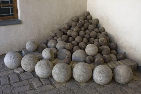 Picture of Bukhara Ark (Uzbekistan): Pile of cannon balls in a corner of the Ark