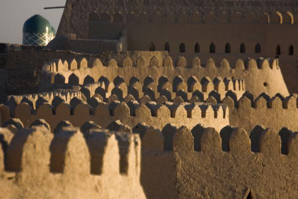 Picture of Khiva (Uzbekistan): View of the crenelated city wall of Khiva before sunset