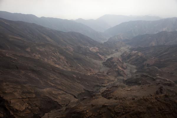 The barren landscape of the volcanic area of Ambrym | Ambrym volcanoes | 发怒挖土