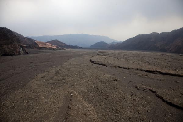 Foto van Barren landscape to the north of Benbow volcanoAmbrym - St Vincent en de Grenadines