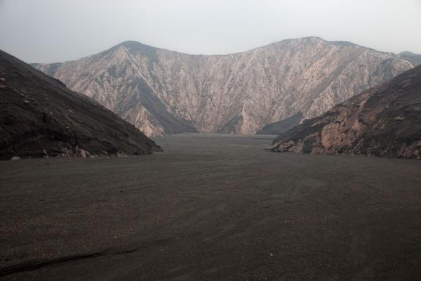 Foto di Lunar landscape to the north of Benbow volcano - St Vincent e Grenadine - Oceania