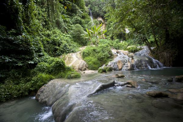 Rocky pools with cool water, very pleasant to cool down | Mele Cascades | St Vincent en de Grenadines