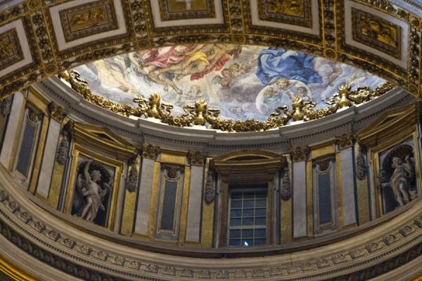 One of the many smaller domes seen from inside | Saint Peters Basilica | 梵蒂冈成